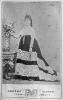 Ritratto fotografico a figura intera di Rosa Vercellana, detta