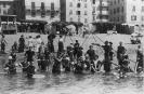 Fotografia ricordo al mare, sulla spiaggia di Varazze a inizio Novecento