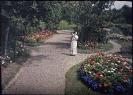 Donna in giardino Autochrome-1