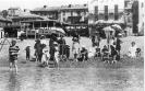 Fotografia ricordo collettiva ai bagni di Varazze, inizio Novecento